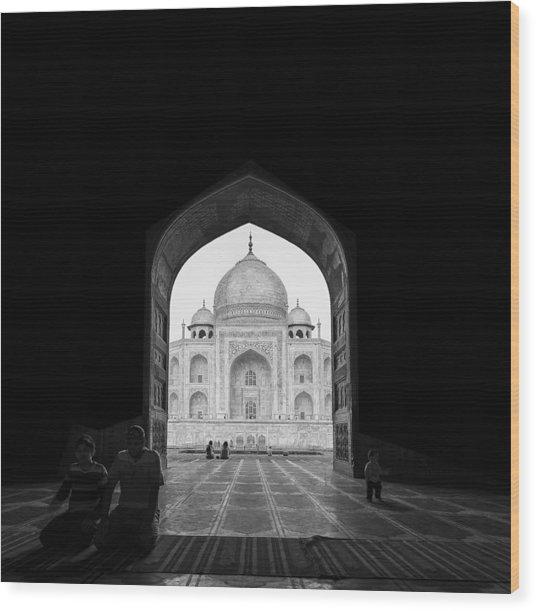 Taj Mahal Wood Print by Basem Al-qasim
