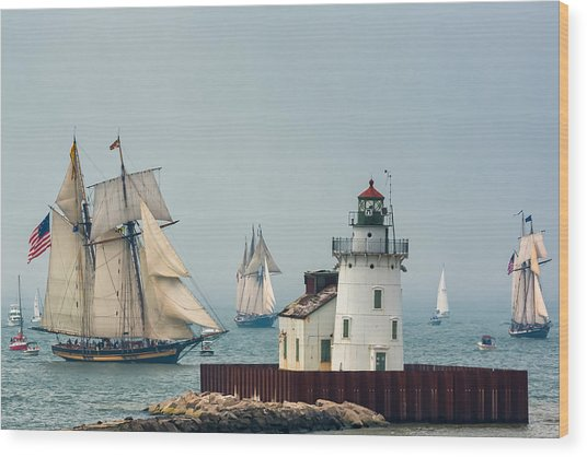 Tall Ships At Cleveland Lighthouse Wood Print
