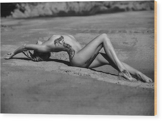 Tattoo Woman On The Beach Wood Print