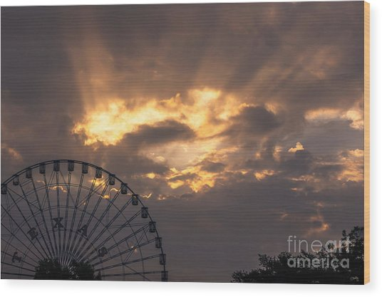 Texas Star Ferris Wheel And Sun Rays Wood Print
