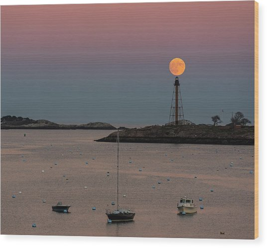 The 2016 Supermoon Balancing On The Marblehead Light Tower In Marblehead Ma Wood Print