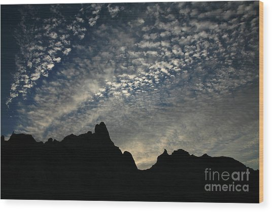 The Badlands At Dawn Wood Print