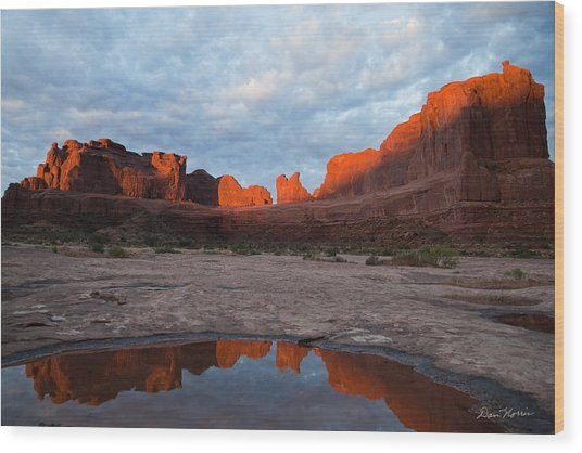 The Color Of Sunrise In Arches Wood Print