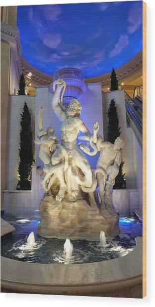 The Forum Shop Statues At Ceasars Palace Wood Print