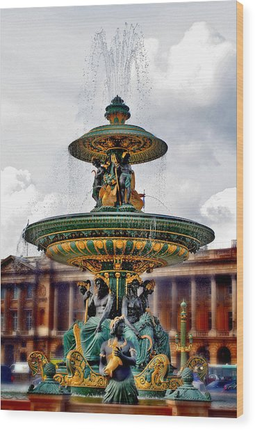 The Fountain At Le Concorde Wood Print by Greg Sharpe