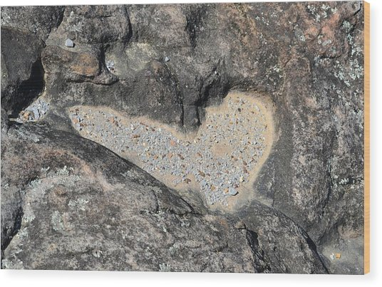 The Heart In Stone Wood Print by rd Erickson