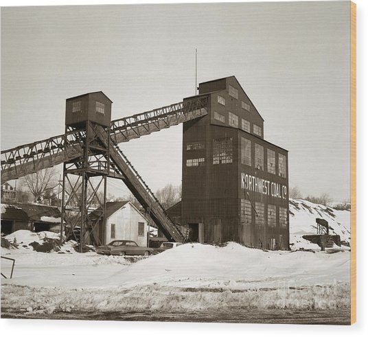 The Northwest Coal Company Breaker Eynon Pennsylvania 1971 Wood Print