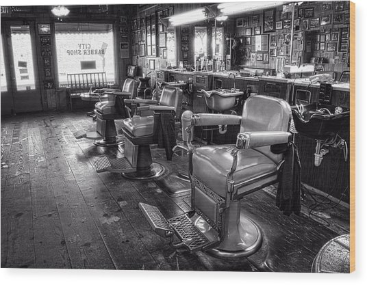 The Old City Barber Shop In Black And White Wood Print