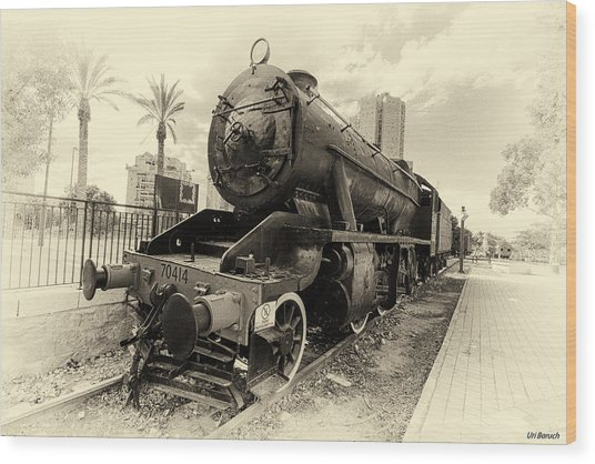 The Old Locomotive Wood Print