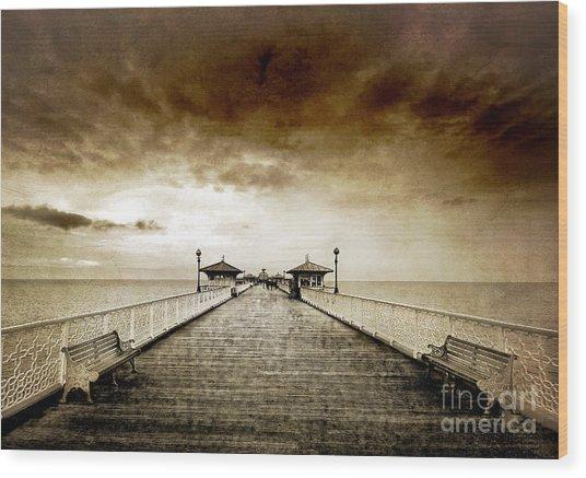 the pier at Llandudno Wood Print