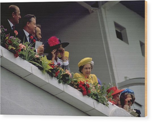 The Queen At Derby Day 1988 Wood Print