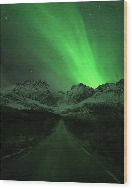 The Road To Nusfjord Wood Print