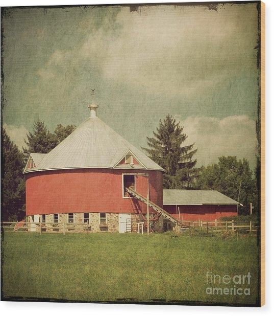 The Round Barn Wood Print