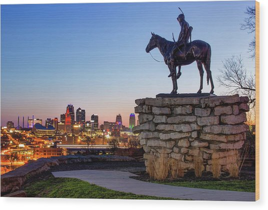 The Scout Overlooking The Kansas City Skyline Wood Print