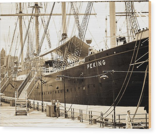 The South Street Seaport Wood Print