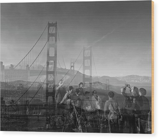 The Tourists - Golden Gate Wood Print