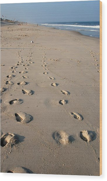 The Trails Of Footprints - Jersey Shore Wood Print