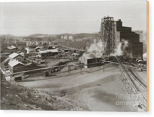 The Wanamie Colliery Lehigh And Wilkes Barre Coal Co Wanamie Pa Early 1900s Wood Print