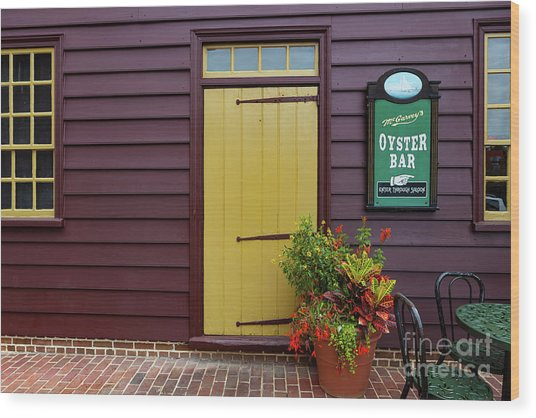 The Yellow Door In Annapolis Wood Print