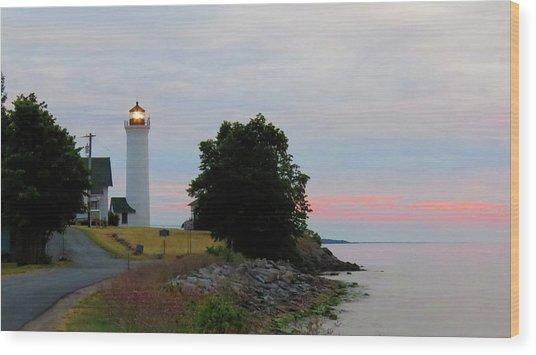 Tibbetts Point Light Sunset Wood Print