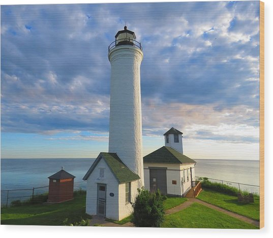 Tibbetts Point Lighthouse In June Wood Print