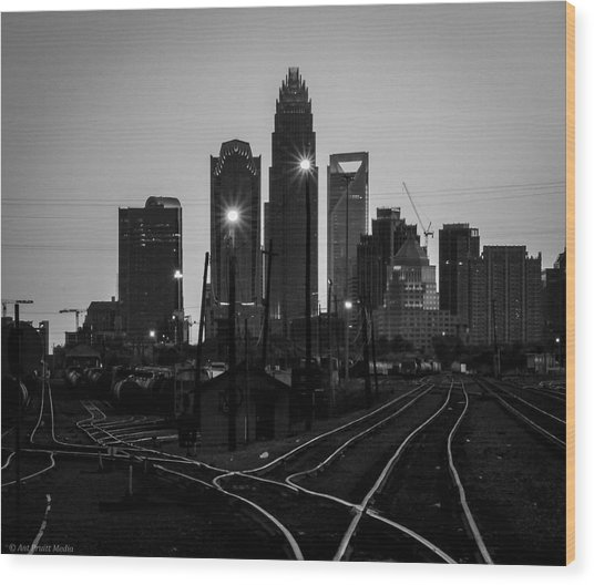 To The Queen City Wood Print