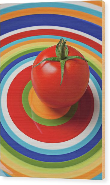 Tomato On Plate With Circles Wood Print
