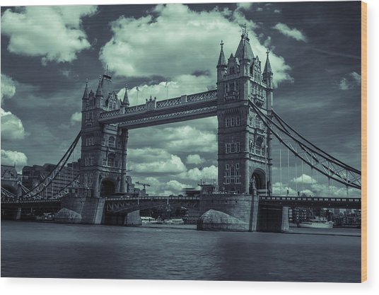 Tower Bridge Bw Wood Print