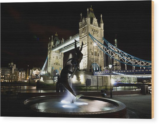 Tower Bridge With Girl And Dolphin Statue Wood Print