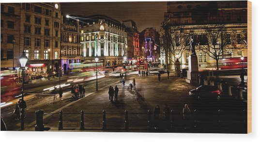 Trafalgar Square Wood Print by Ken Yan