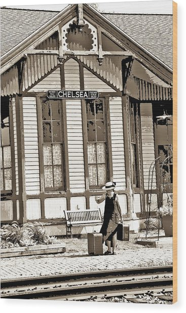 Train Stop Wood Print by William Furguson