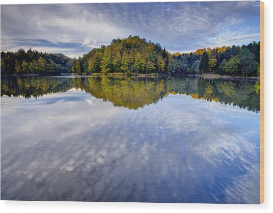Trakoscan Lake In Autumn Wood Print