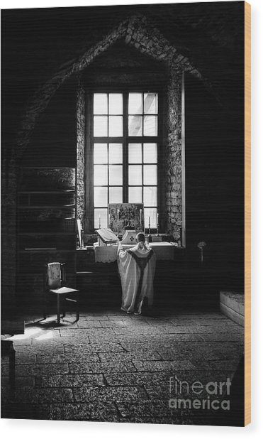 Tridentine Mass In An Ancient Chapel In The Old Dominican Monastery In Tallinn Wood Print