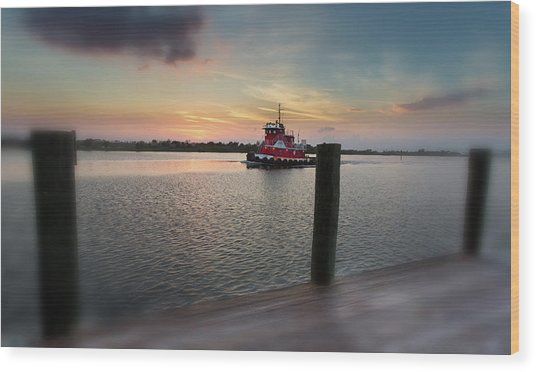 Tug Boat Sunset Wood Print