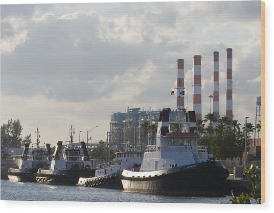 Wood Print featuring the photograph Tugs by Ed Gleichman