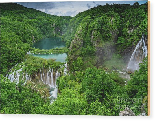 Turquoise Lakes And Waterfalls - A Dramatic View, Plitivice Lakes National Park Croatia Wood Print