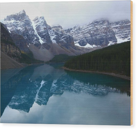 Turquoise Reflection At Moraine Lake Wood Print
