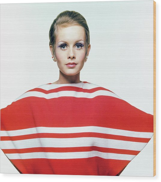 Twiggy In Red Striped Coverup Wood Print by Bert Stern