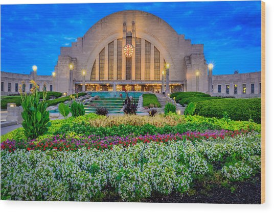 Union Terminal At Sunrise Wood Print