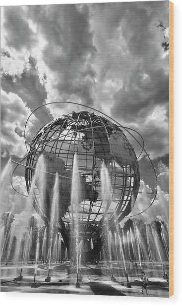 Unisphere And Fountains Flushing Meadow Park Nyc Wood Print