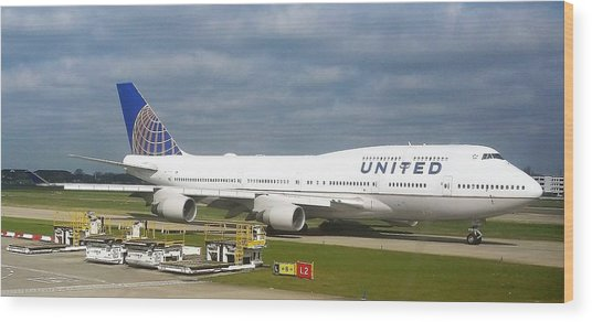 United Airlines Boeing 747-400 Wood Print