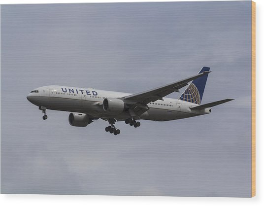 United Airlines Boeing 777 Wood Print