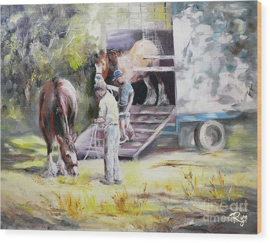 Unloading The Clydesdales Wood Print