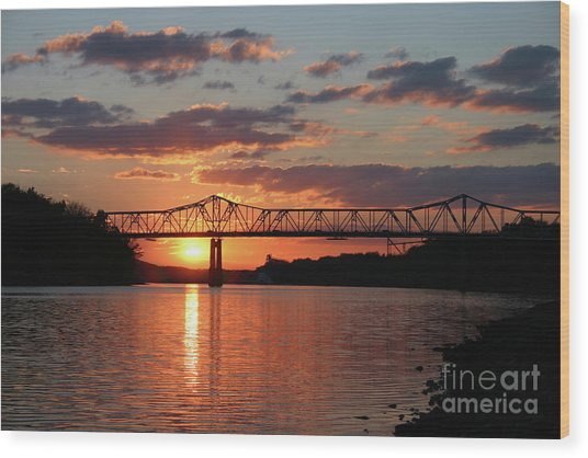 Utica Bridge Sunset Wood Print