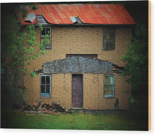 Vacant House Wood Print by Michael L Kimble