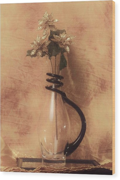Vase Of Gold Wood Print
