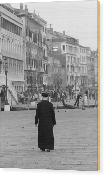 Venetian Priest And Gondola Wood Print