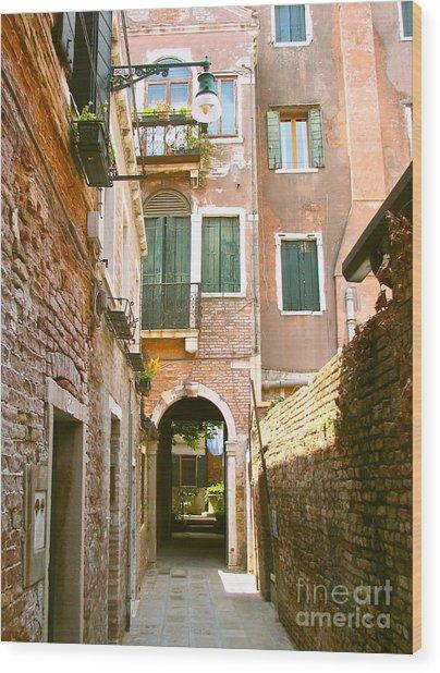 Venice- Venezia-calle Veneziana Wood Print
