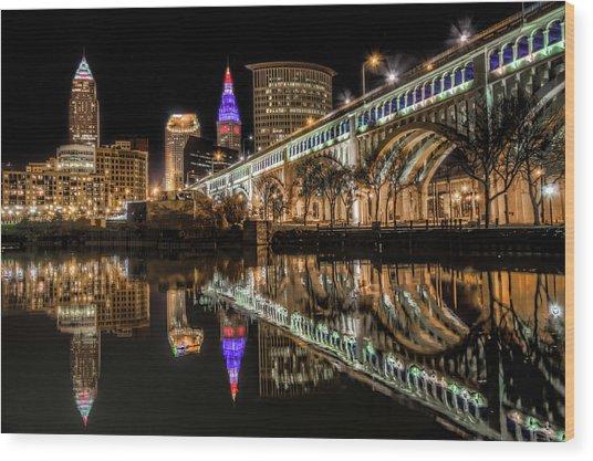 Veterans Memorial Bridge Wood Print