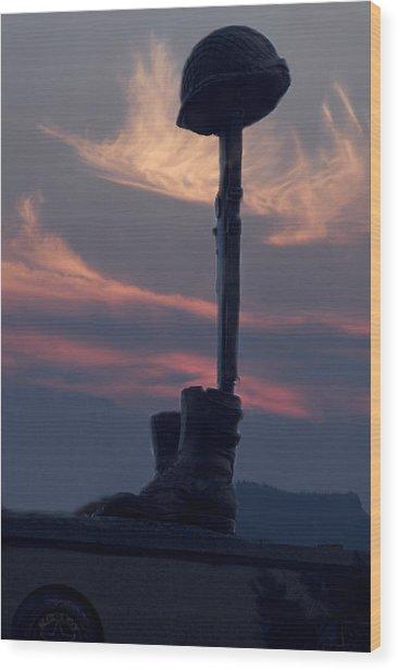 Veterans Monument At Sunset Wood Print